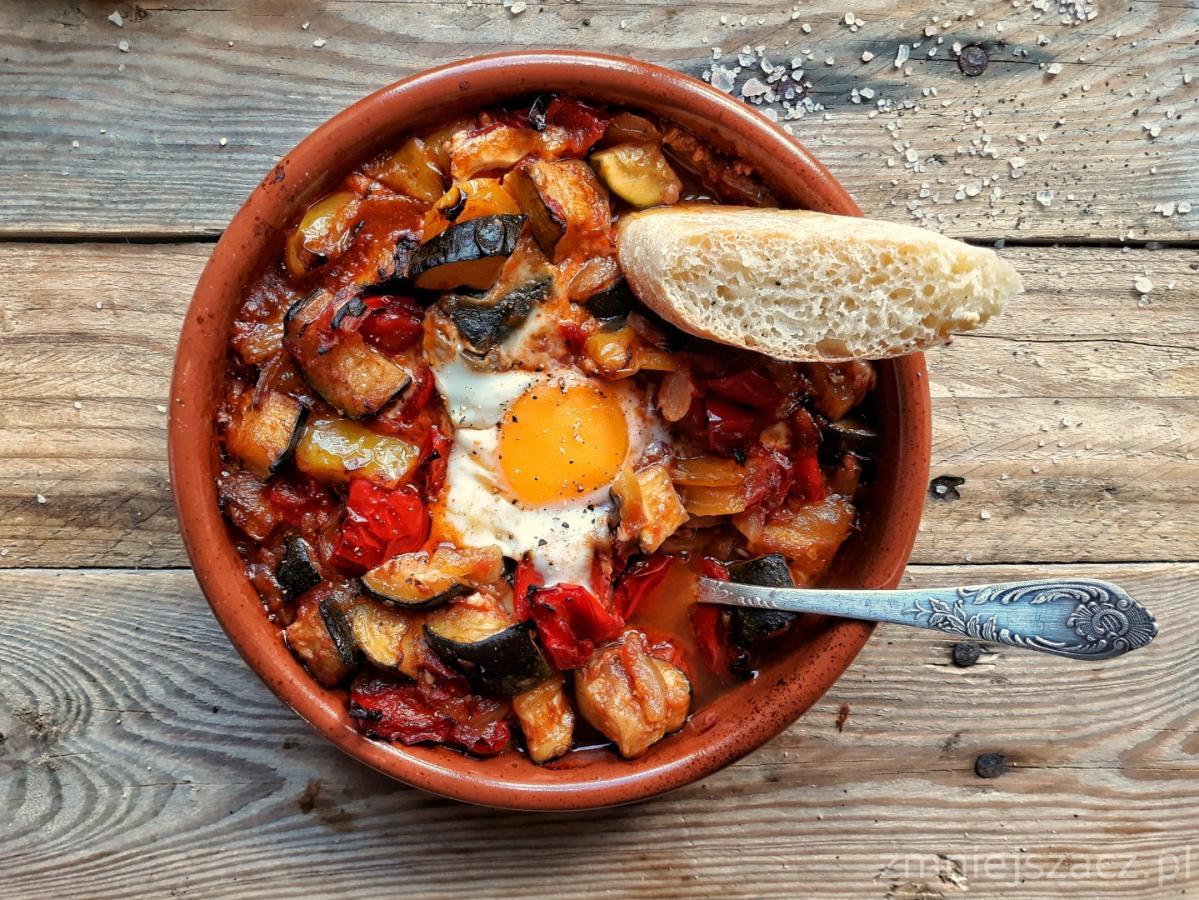 Pisto – hiszpańskie danie z papryką i cukinią