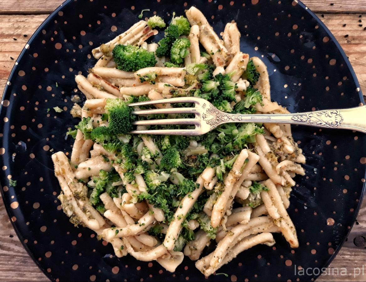 Makaron z brokułem z anchois