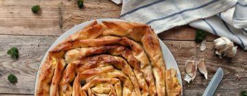 Lasagnez czerwoną soczewicą, kaszą jaglaną i lubczykiem