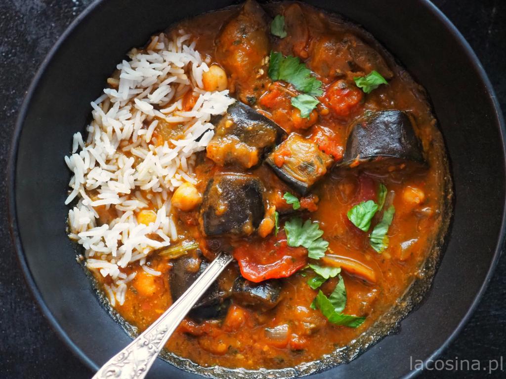Kokosowe curry z bakłażanem i z ciecierzycą